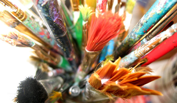 creative-paint-brushes